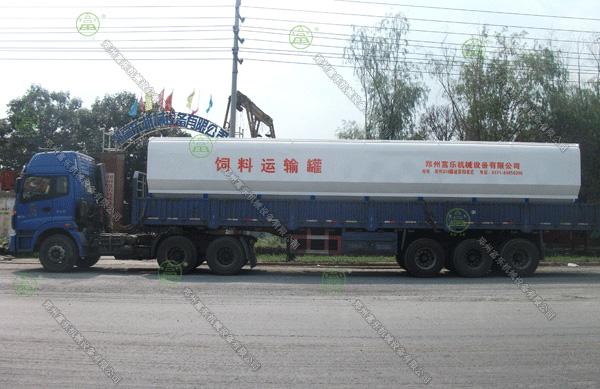 30吨散装德赢vwin米兰运输车(内蒙古客户)