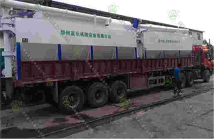 15吨散装德赢vwin米兰运输车(甘肃客户)